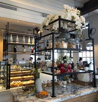 La Baguette French Bakery3