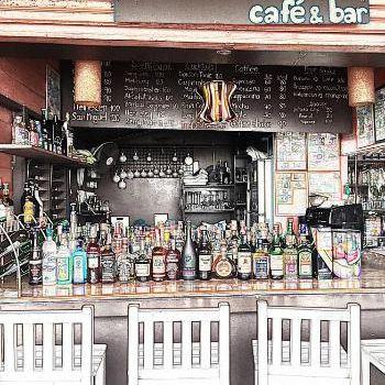 La Luna Cafe & Bar1