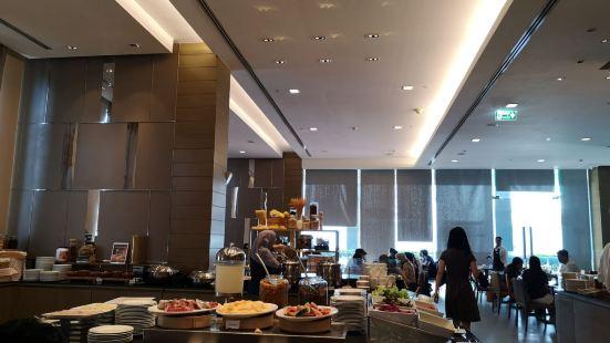 The Eight Restaurant - Mercure Bangkok Siam