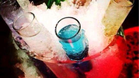 雷克斯西式酒吧