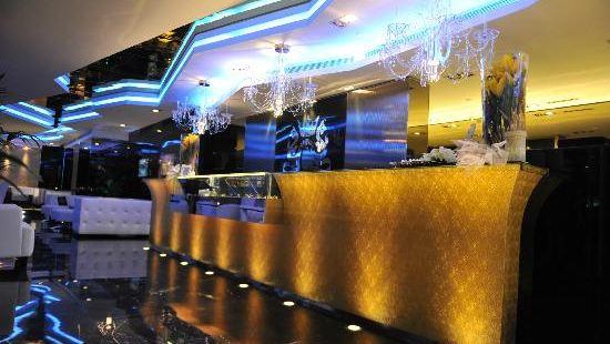 C House Lounge Cafe