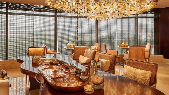 天驪君廷大酒店塞納宮西餐廳