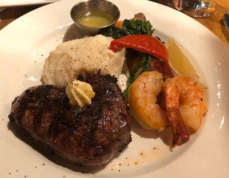 Vieux-Port Steakhouse2