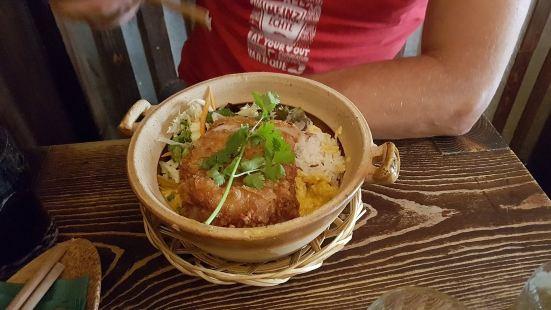 Best Currywurst(am Bismarckplatz)