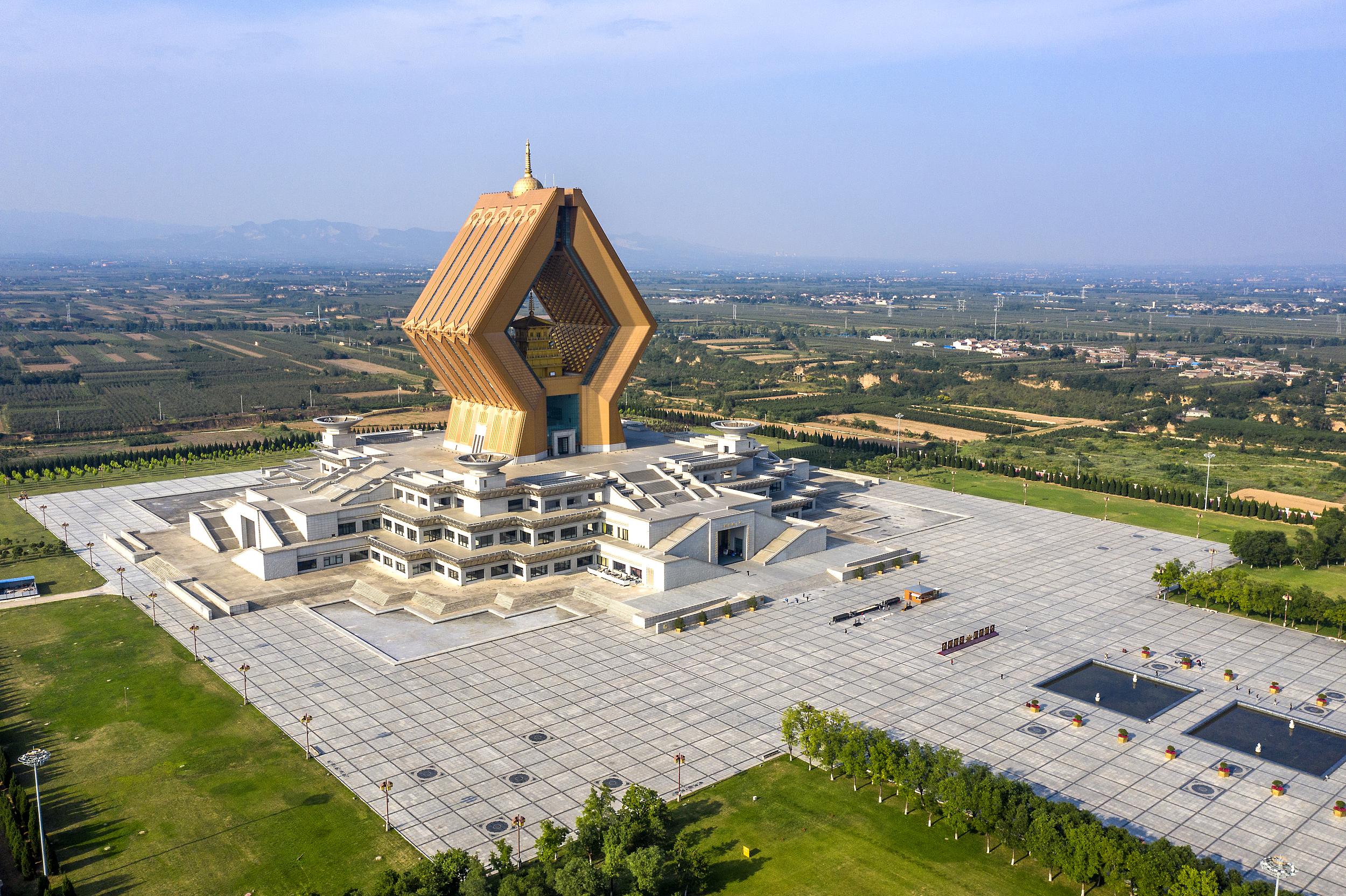 Helix stupa