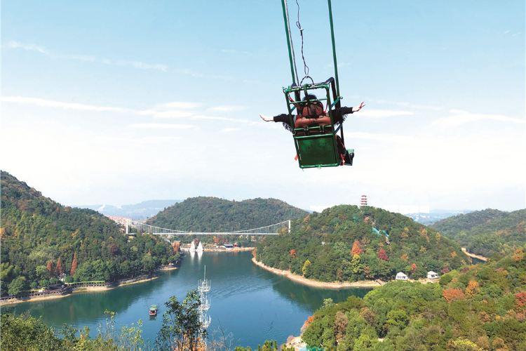 Shiyan Lake4
