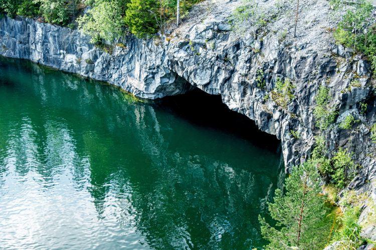 Morača River 峽谷2