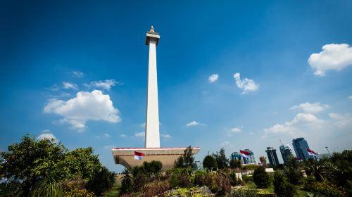므르데카 광장