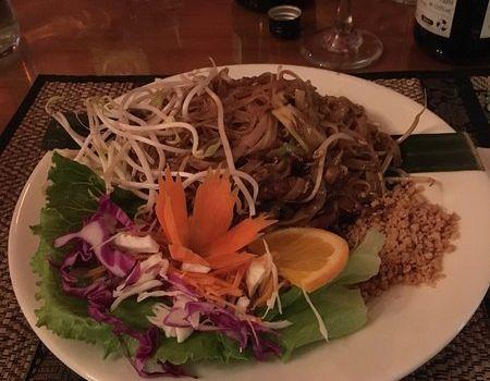 Phuthai Esarn Restaurant2