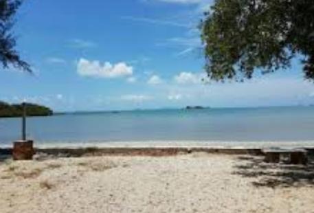 Pantai Teluk Gorek