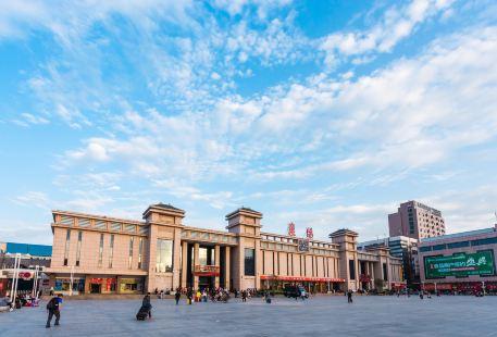 Xiangyangzhan Square
