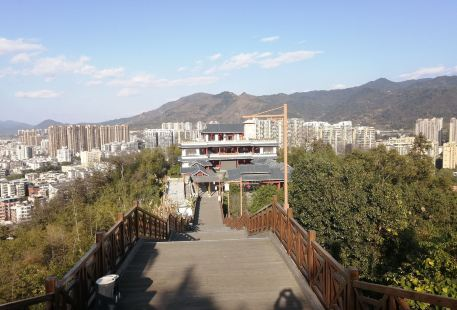 Lianhuashan Park (south of Tianma Mountain Villa)