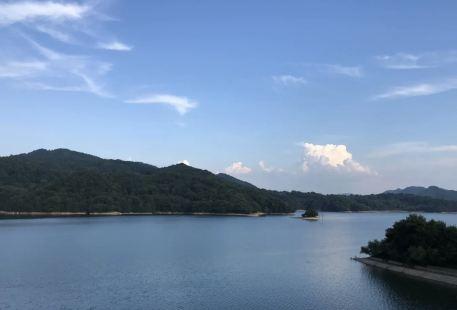 Xiangshan Lake