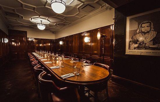 Hawksmoor Guildhall3