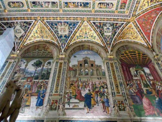 皮科羅米尼家族圖書館