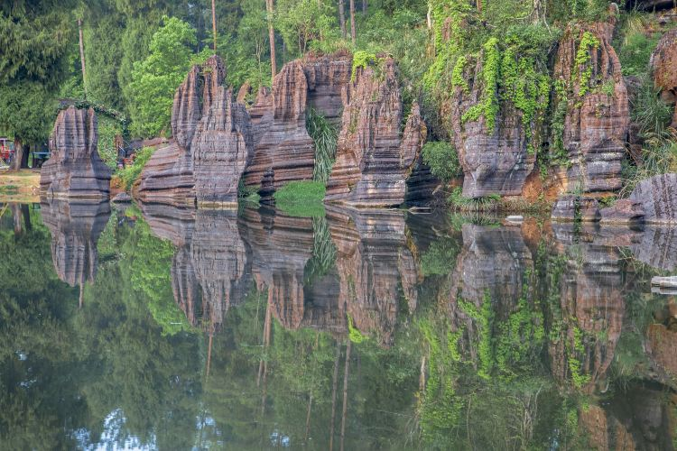 Red Stone Forest National Geological Park4