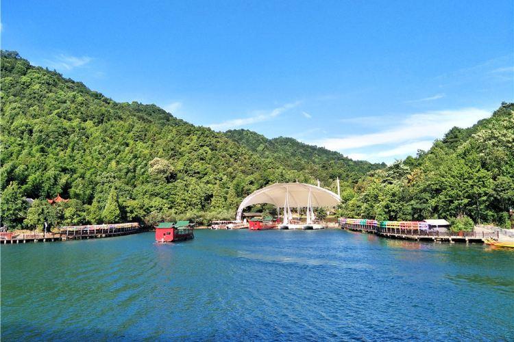 Shiyan Lake1