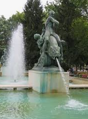 Building and Destroying Tisza Fountain