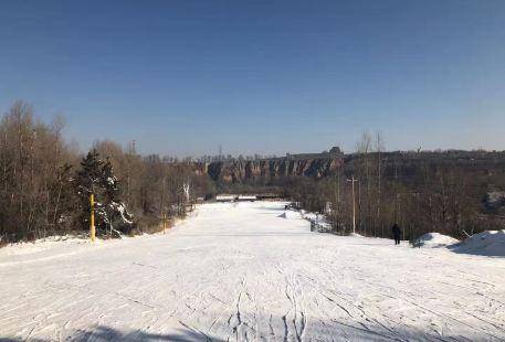 紅石峽滑雪場