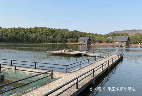 Shishan Lake