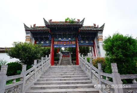 Fufeng Town's God Temple