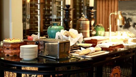 瑞吉酒店自助餐廳