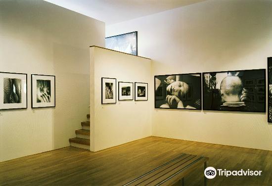 フォーム写真美術館4
