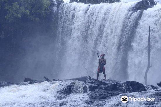 Bousra Waterfall2