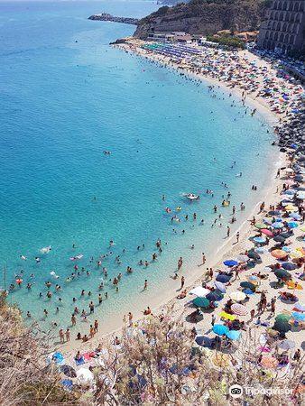 Tropea Beach1