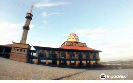 Al Hussain Mosque (Floating Mosque)