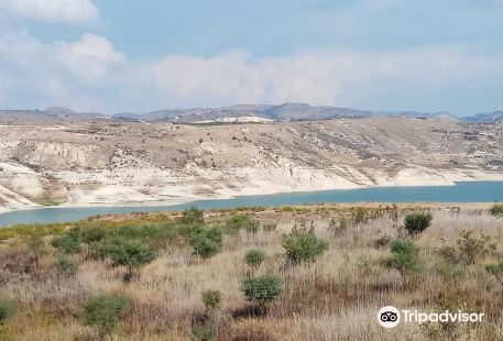 Asprokremmos Dam