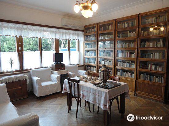 Dostoyevsky Museum2