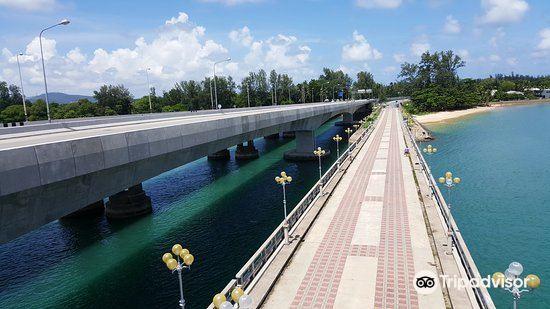 Saphan Sarasin Bridge4