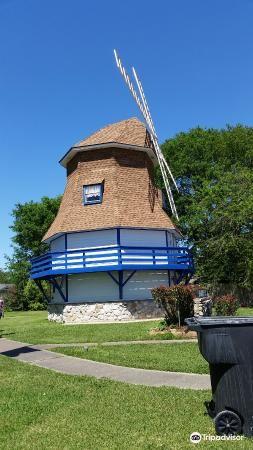 Dutch Windmill Museum1
