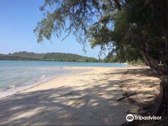 Khlong Son Beach1