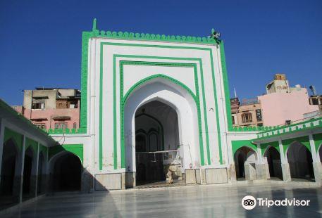 Akbari Masjid