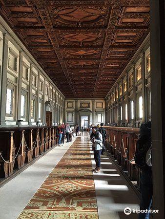 麥迪奇羅倫佐圖書館3
