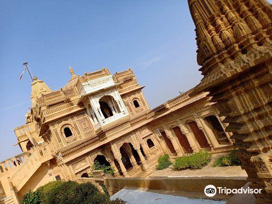 Parasnath神廟3