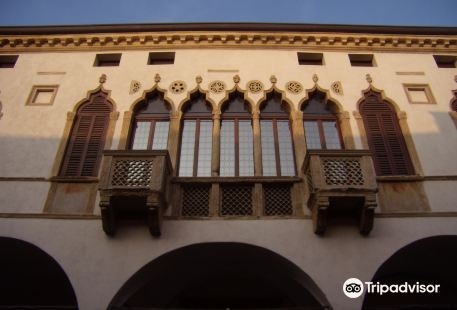 Palazzo Magnavin-Foratti
