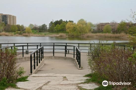 Lake Aquitaine Park3