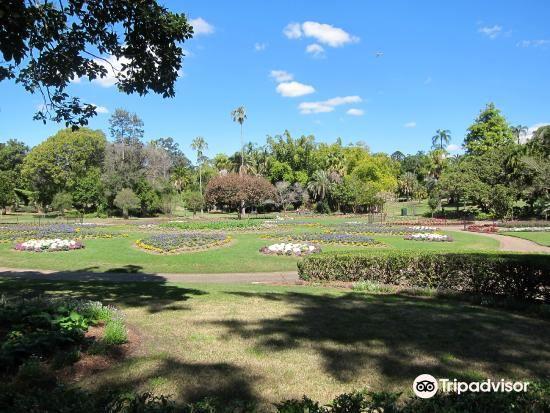 Queen's Park3