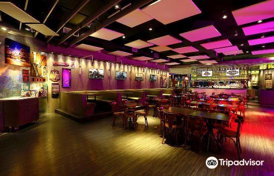 Milwaukee American Bar