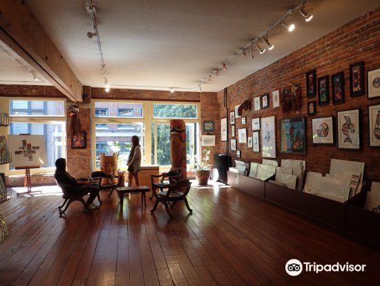 Hill's Native Art Gallery1