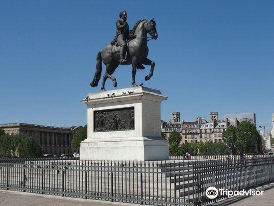 Statue équestre d'Henri IV3