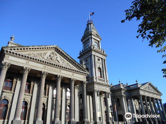 Fitzroy Town Hall1