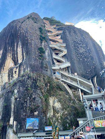 瓜塔佩巨岩3