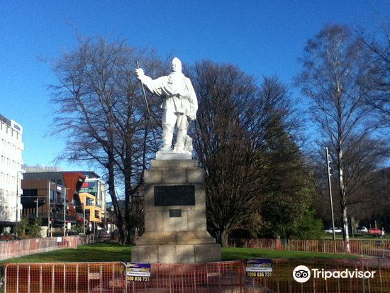Robert Falcon Scott Memorials1