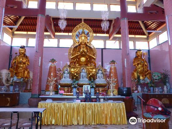 Sam Poh Temple3