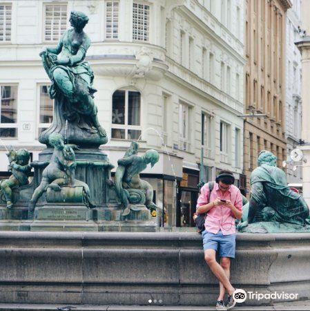Donner Fountain (Donner Brunnen)1