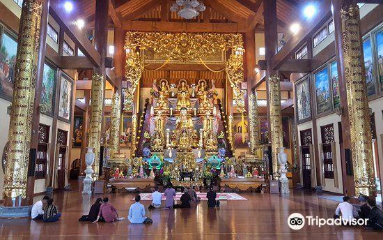 Ba Vang Pagoda1